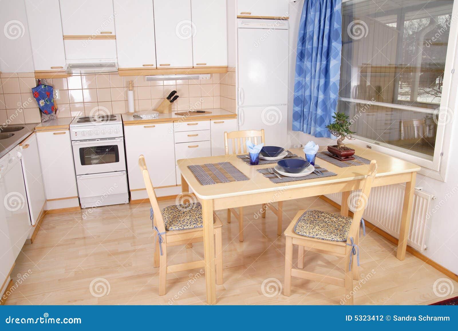 Download Particolare Dell'interiore Della Cucina Fotografia Stock - Immagine di bambù, cucina: 5323412