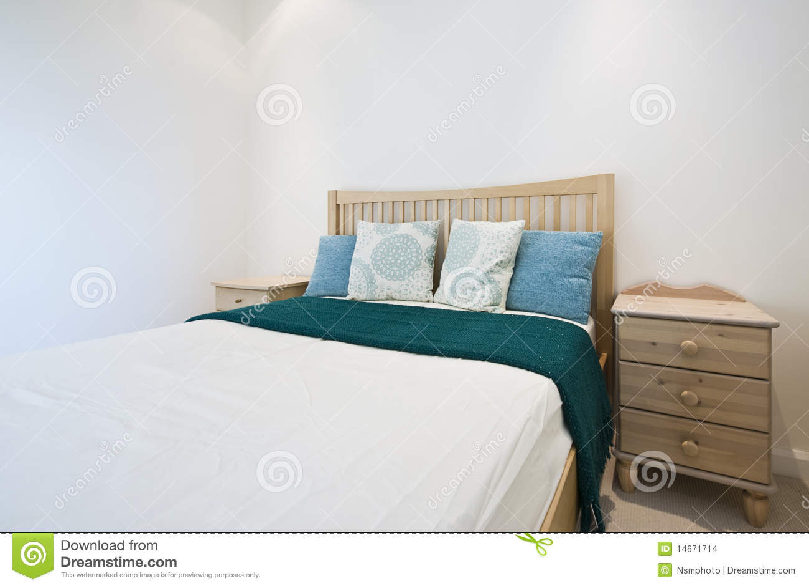 Particolare di una camera da letto moderna fotografia stock immagine di mobilia beige 14671714 - Immagini camera da letto moderna ...