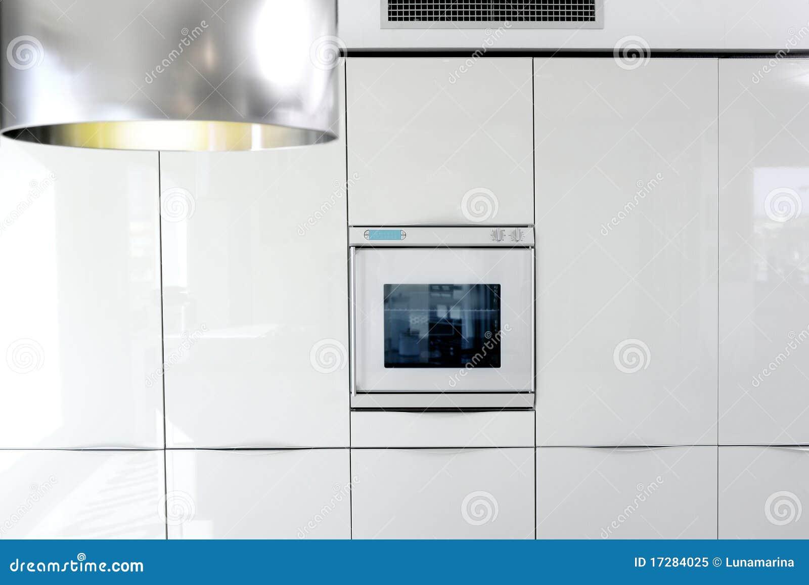 Particolare moderno di architettura del forno bianco della - Cucina particolare ...