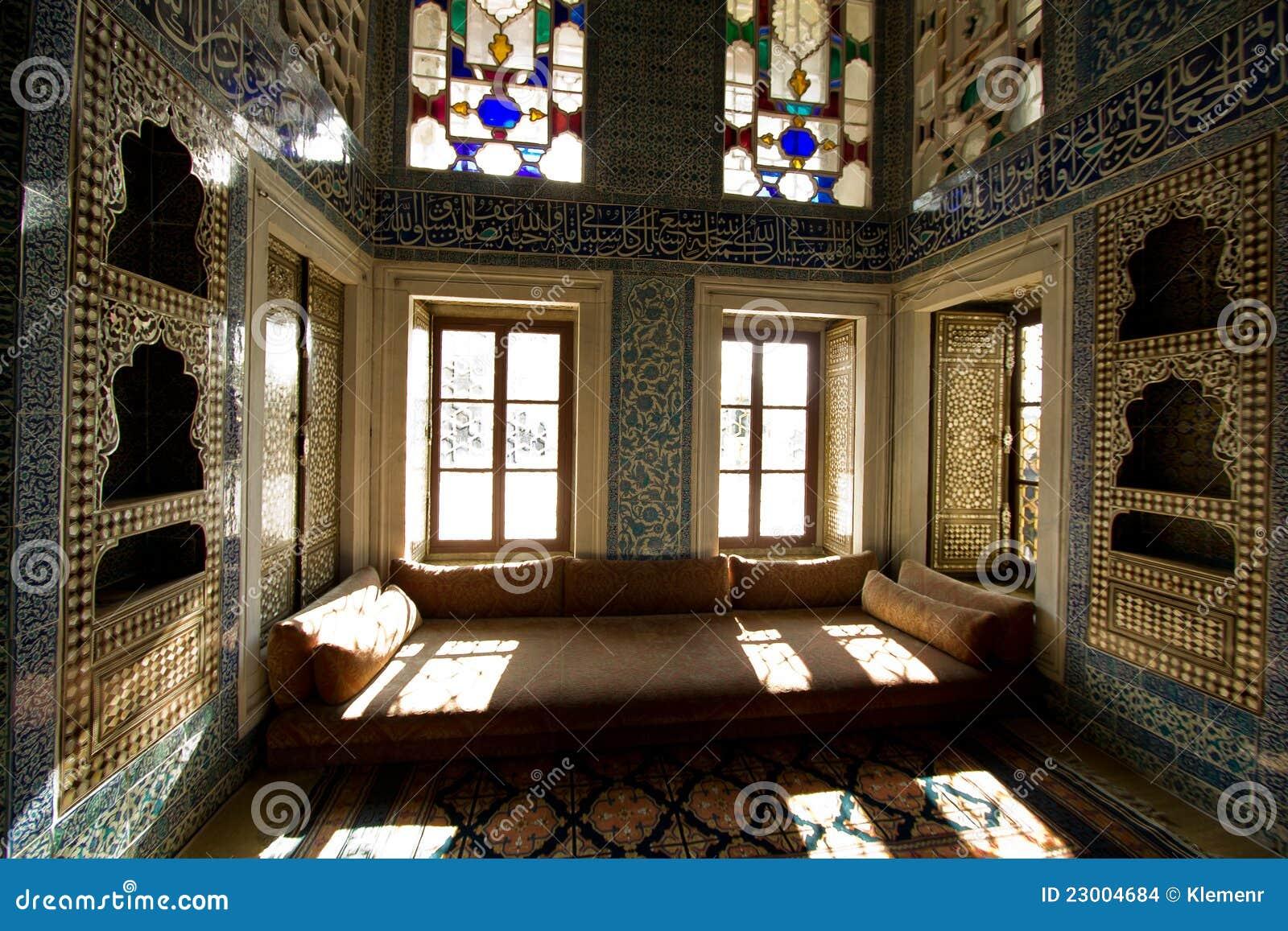 Particolari della stanza del sultano della turchia all for Grande disposizione della stanza