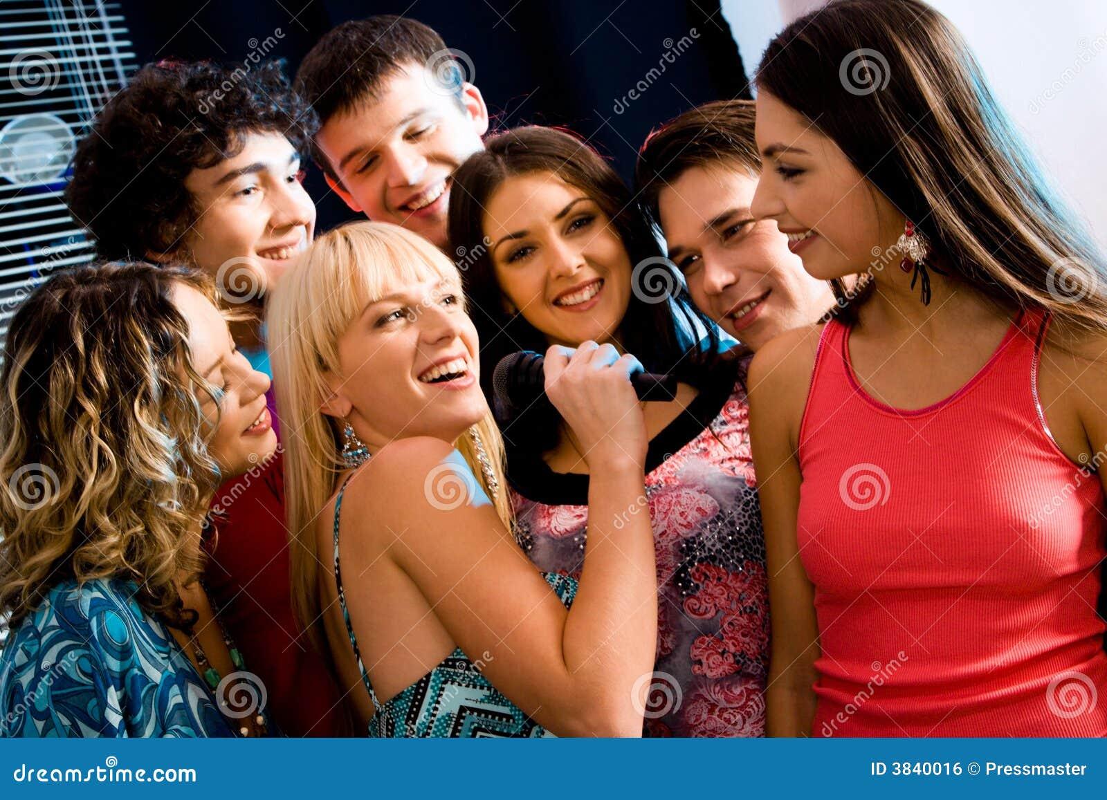Partido do karaoke