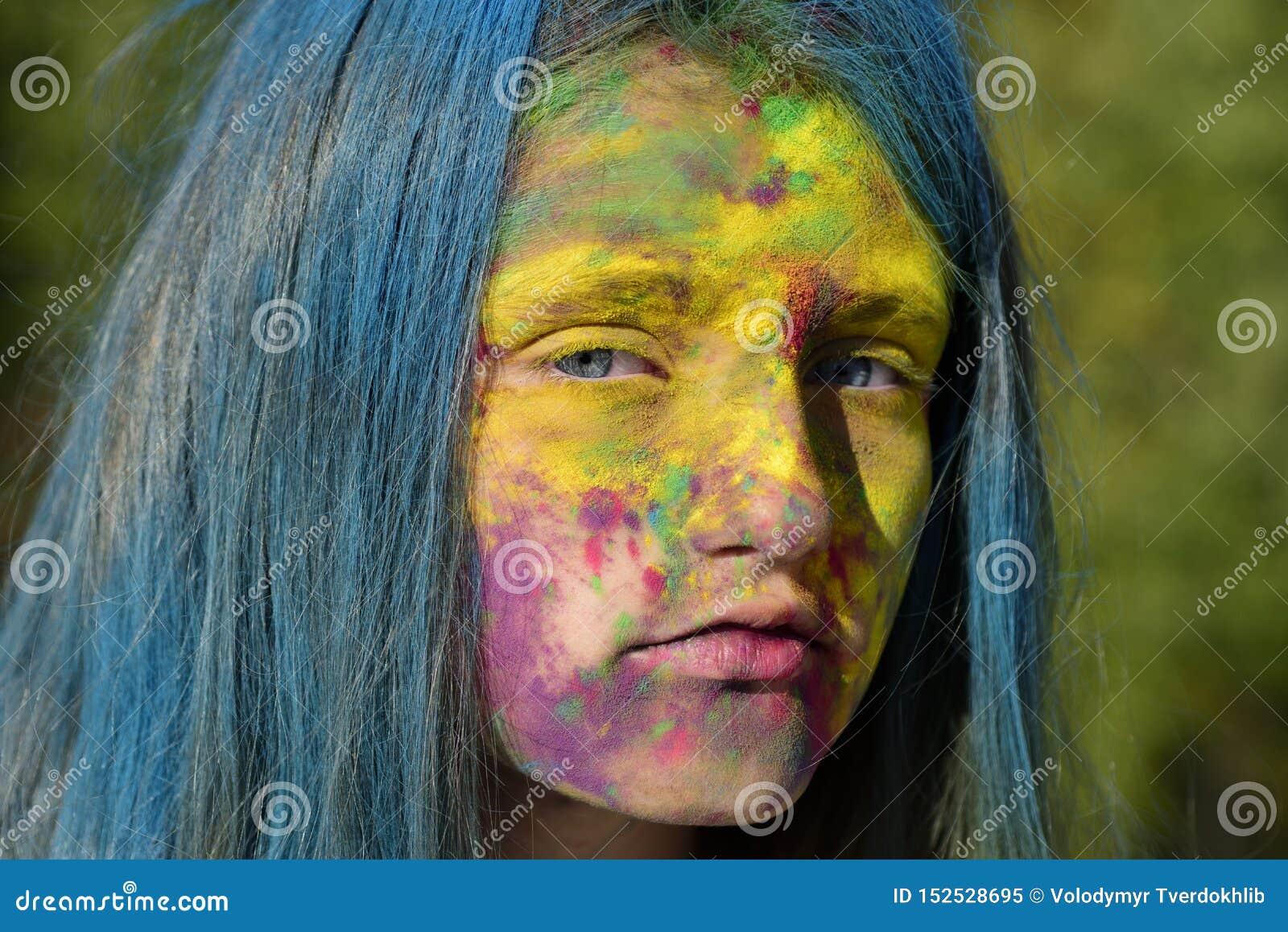 Partie de la jeunesse de mode Vibraphone de ressort d optimiste Fille folle de hippie Temps d ?t? maquillage au n?on color? de pe