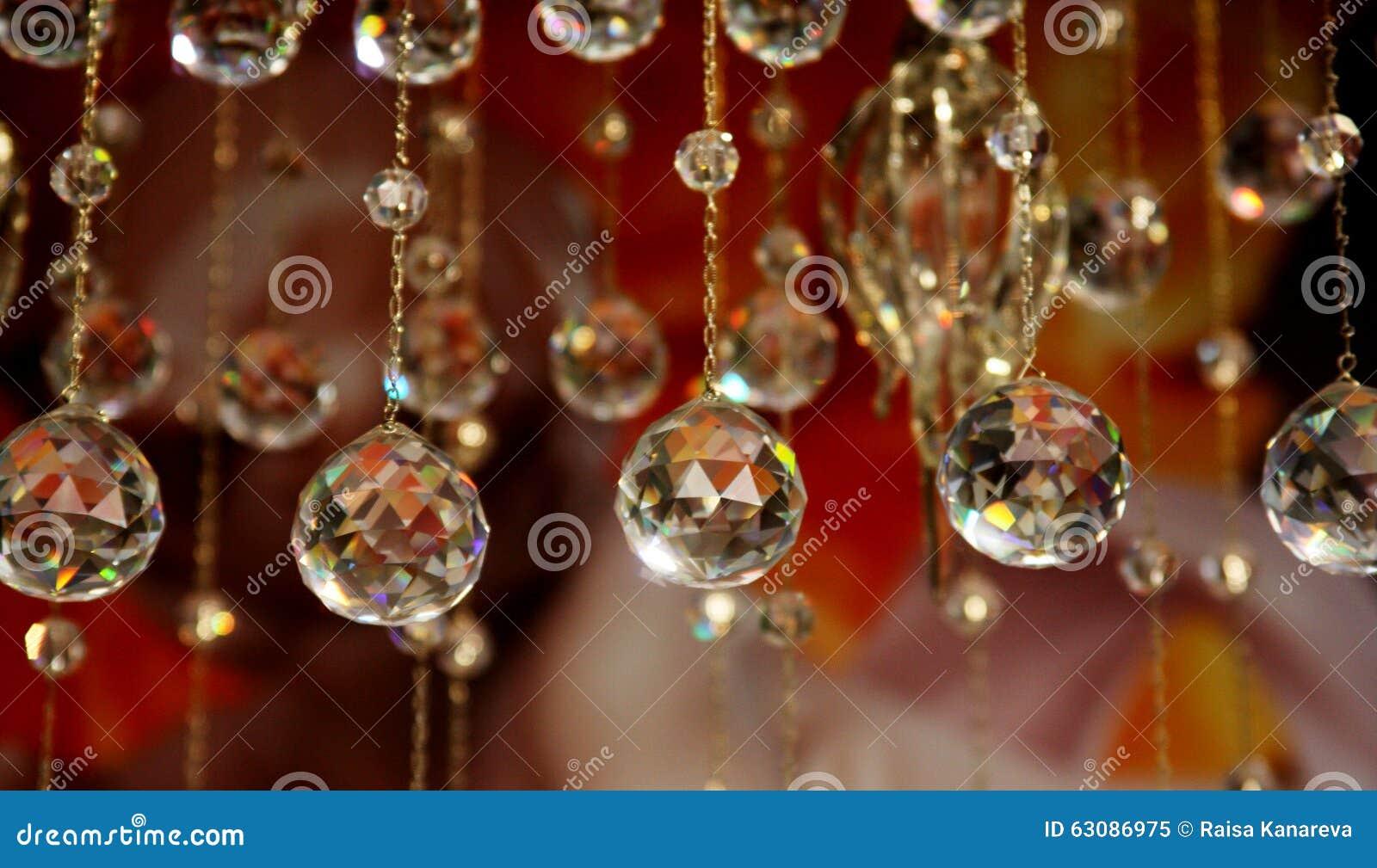 Download Partie En Cristal De Lustre Image stock - Image du bijoux, mode: 63086975