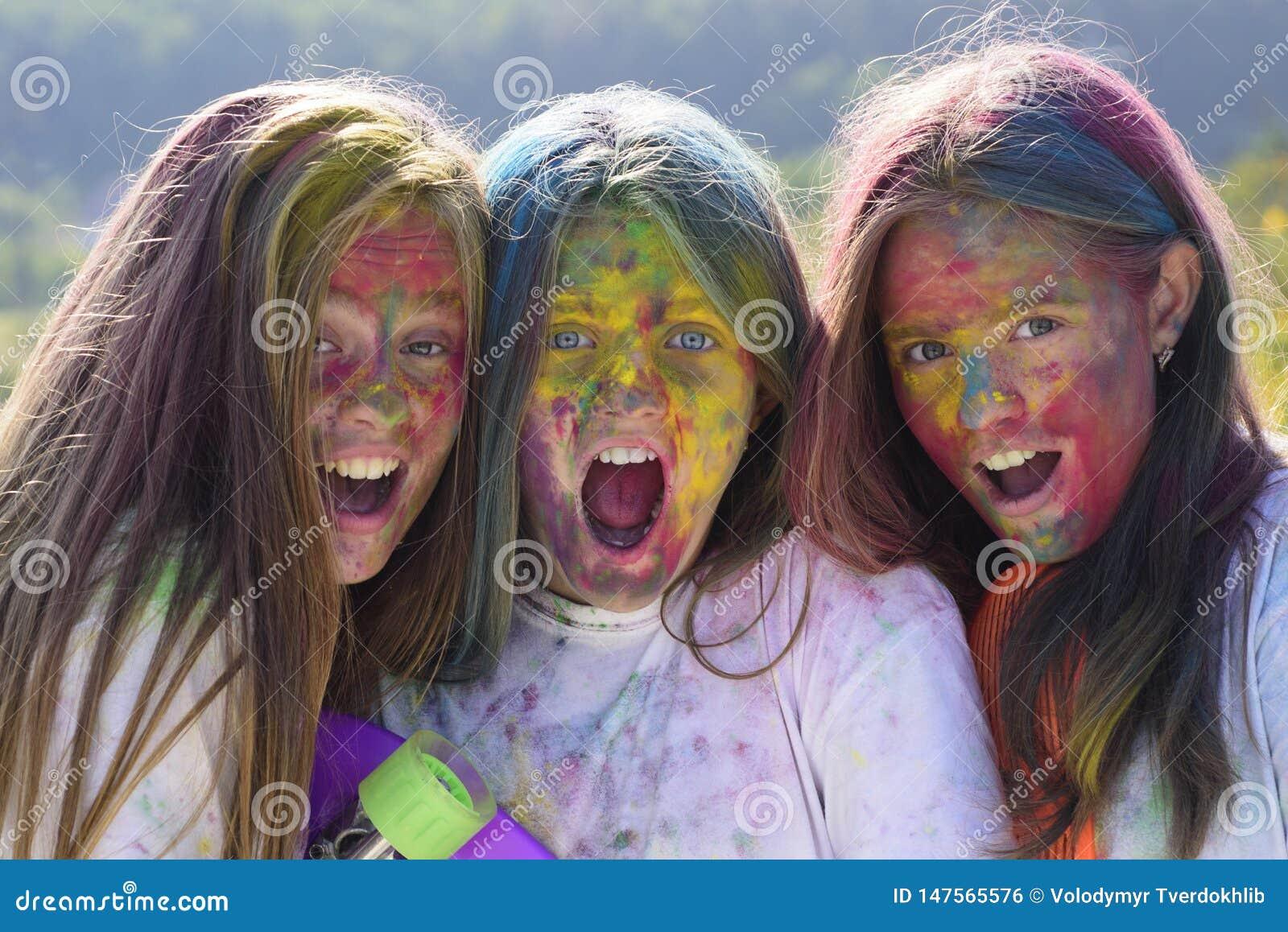 Partie heureuse de la jeunesse Vibraphone de ressort d optimiste E Filles folles de hippie Temps d ?t?