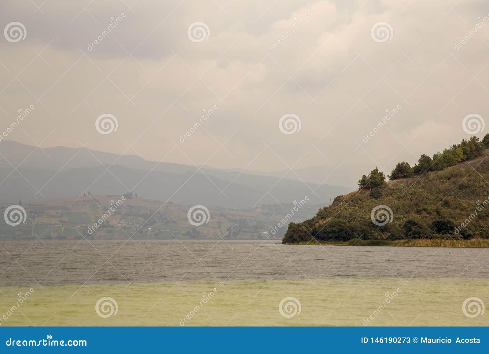 Partisk sikt av sjön Tota