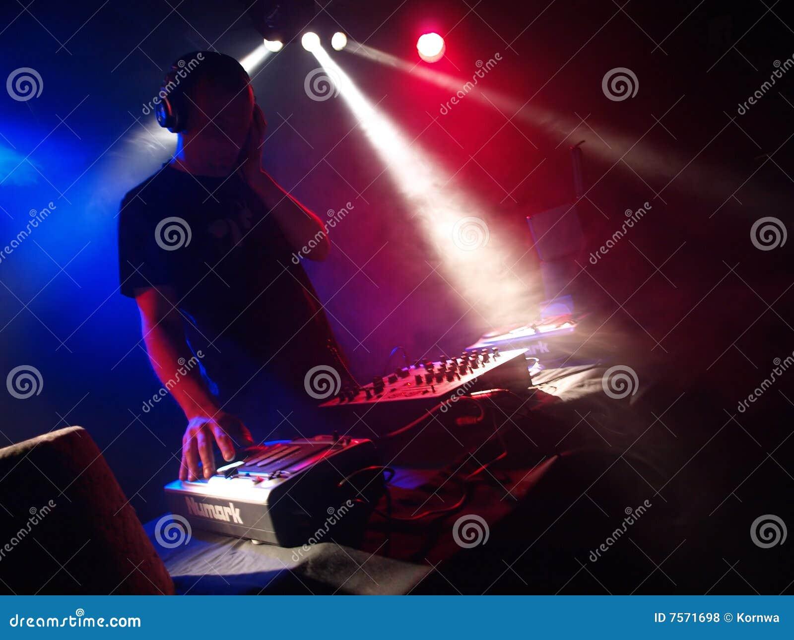 Partito di ballo DJ