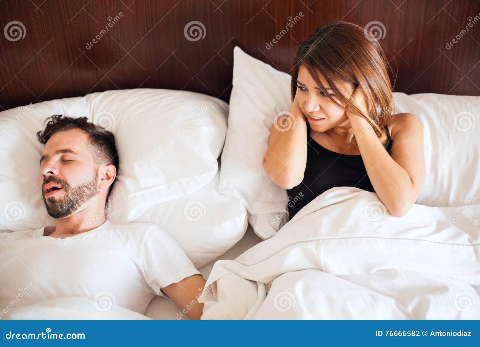 Partner die bij nacht snurken