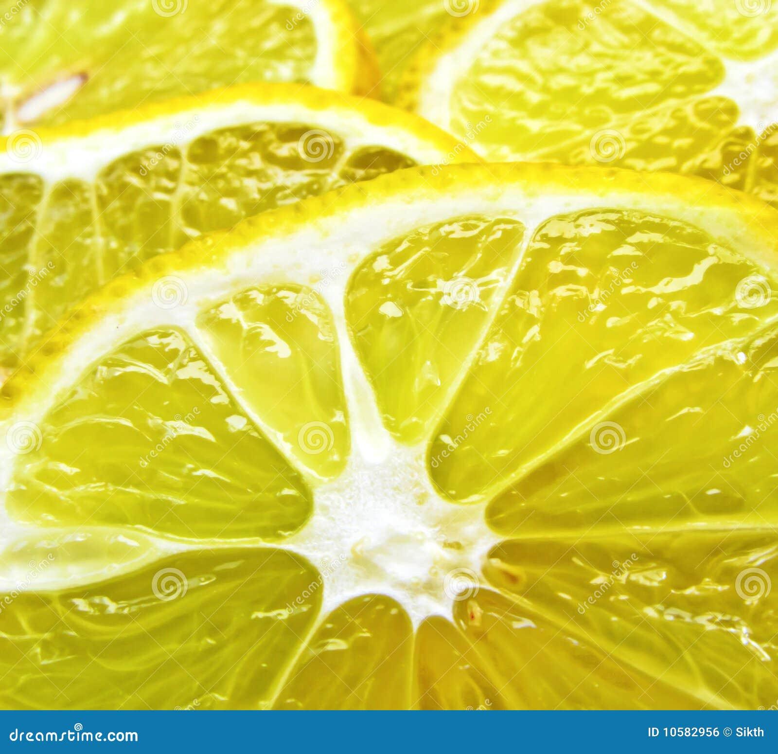 Parts juteuses de citron