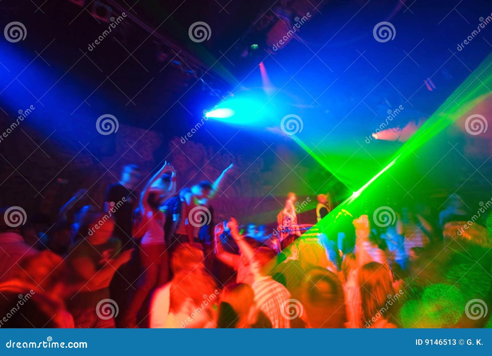 Flirten in discotheek