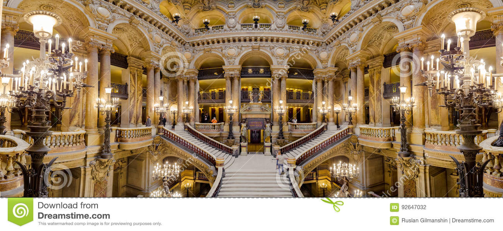 Paryż, Francja, Marzec 31 2017: Wewnętrzny widok opera obywatel de Paryski Garnier, Francja Ja budował od 1861
