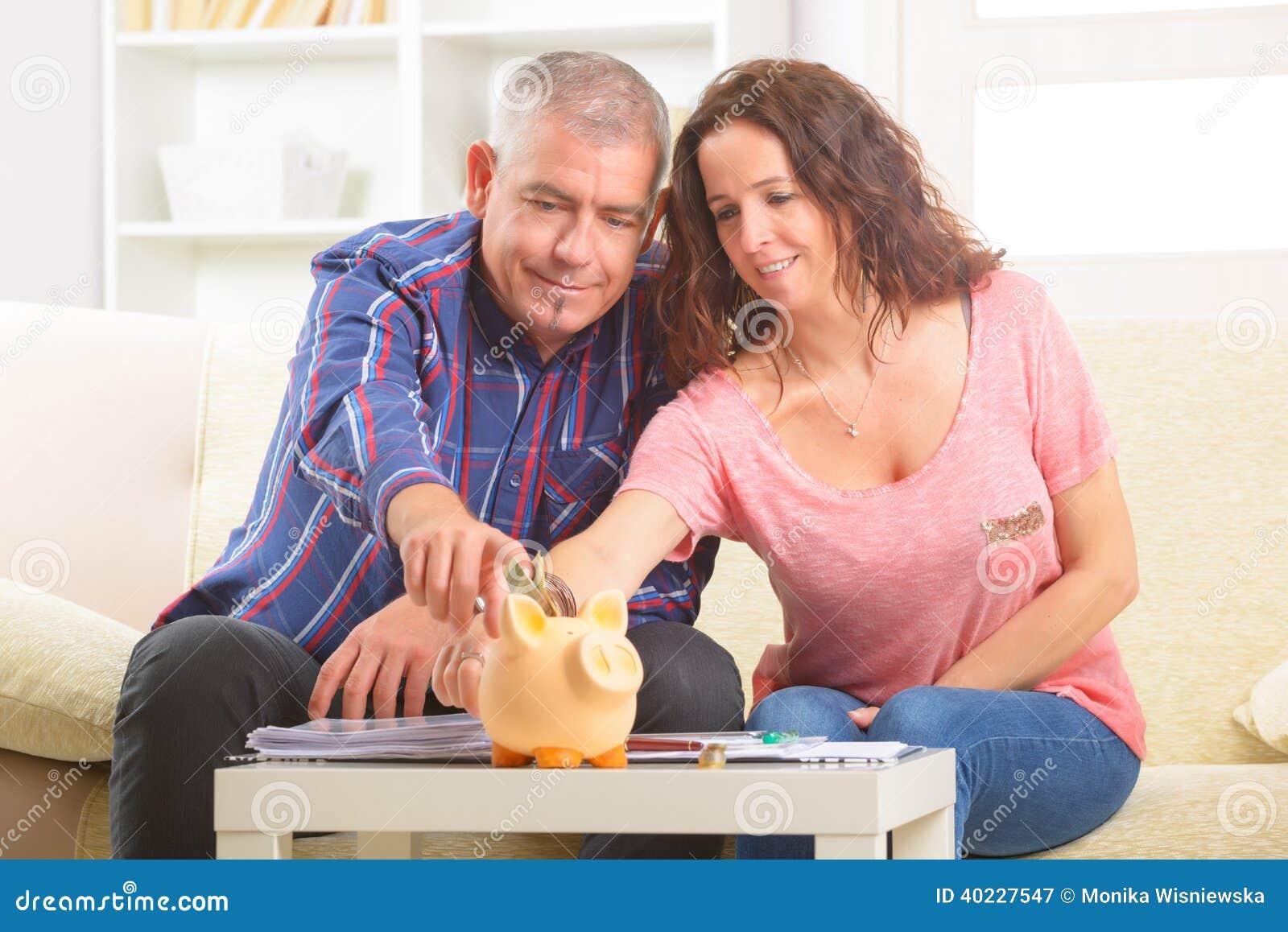 Pary oszczędzania pieniądze