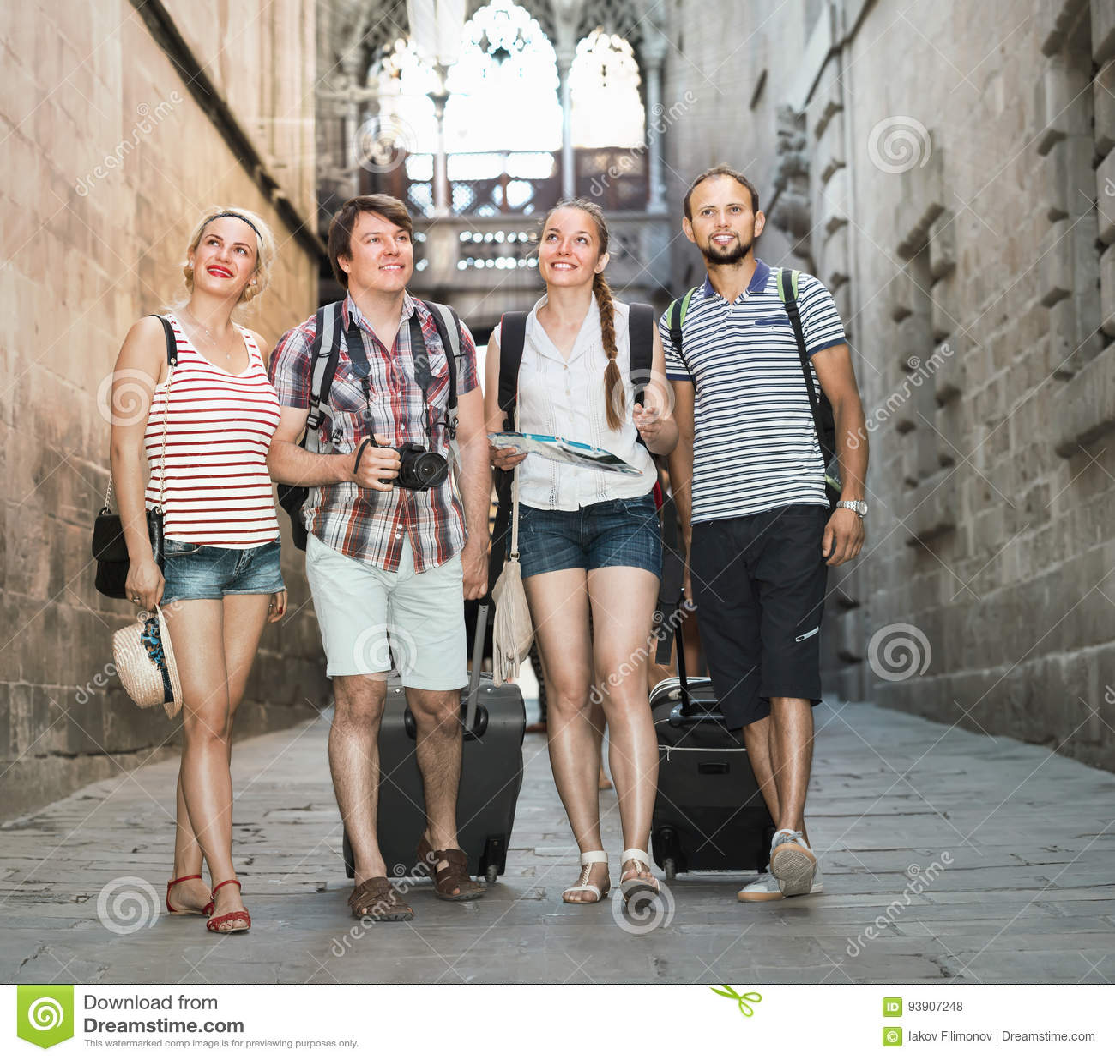 Pary z bagażowym odprowadzeniem miasto