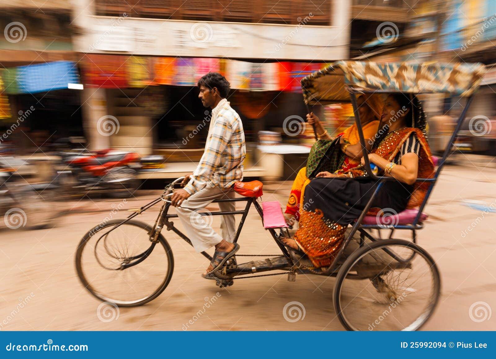 Pasajeros la India del carrito de ciclo de la cacerola de la falta de definición de movimiento