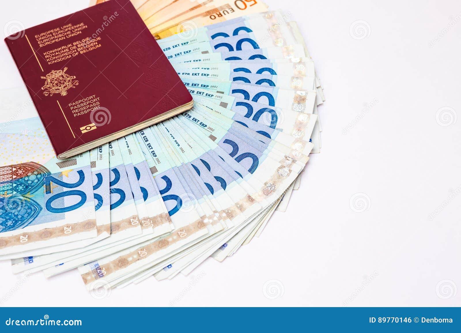 Pasaporte de Bélgica y ` s del euro que viajan