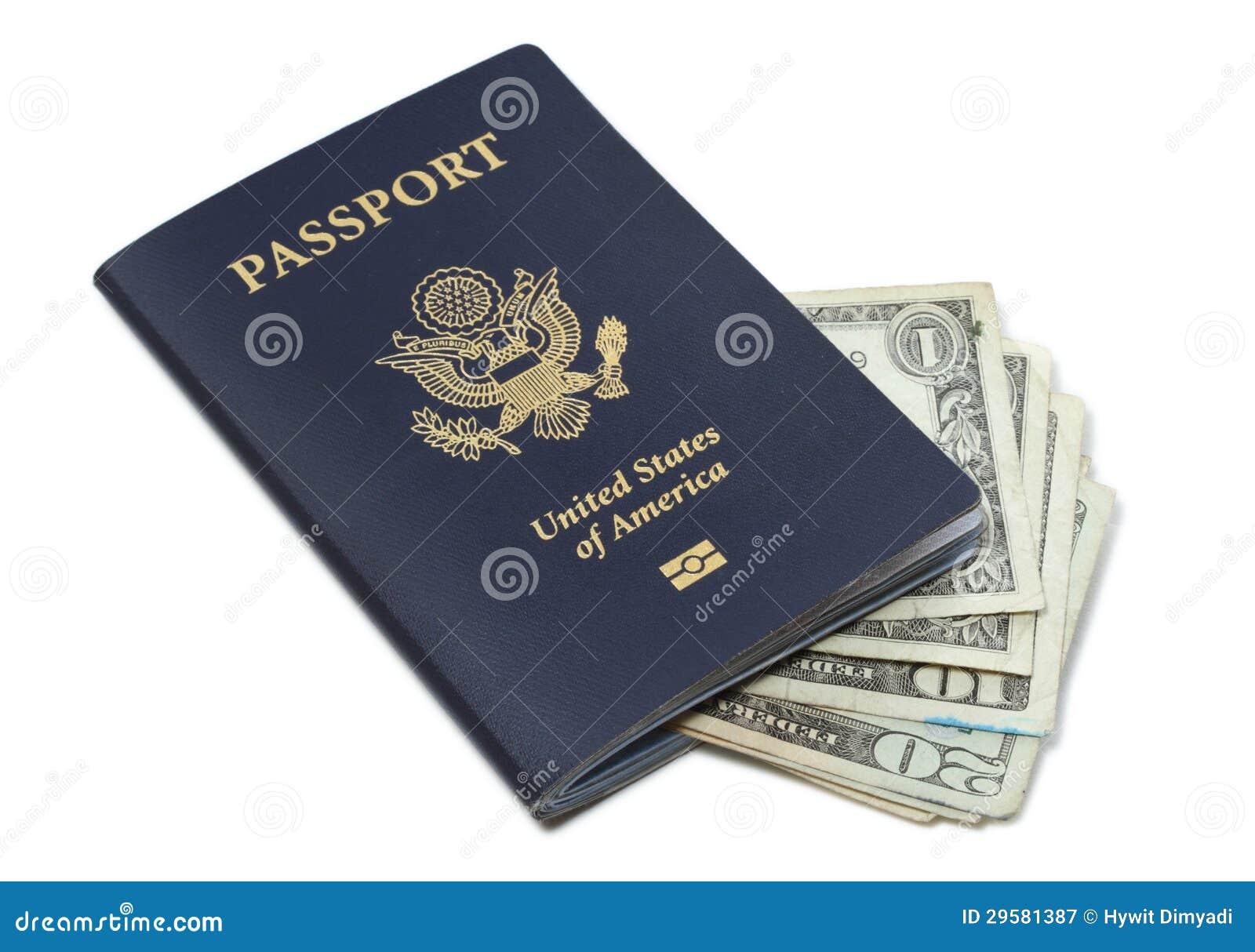 Pasaporte y efectivo de los E.E.U.U.