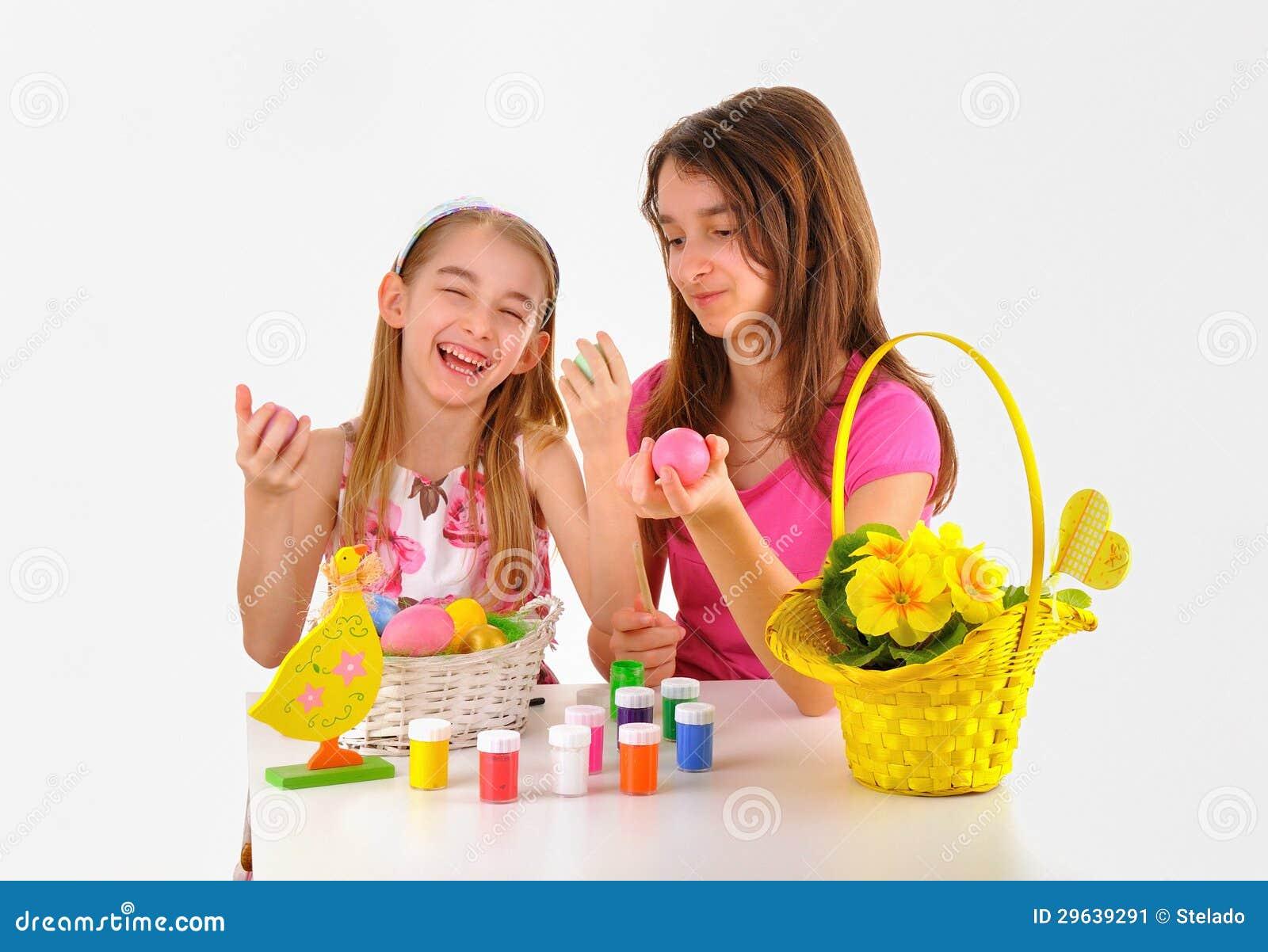 Pascua - Dos Muchachas, Cesta Con Los Huevos, Pintura Para Colorear ...
