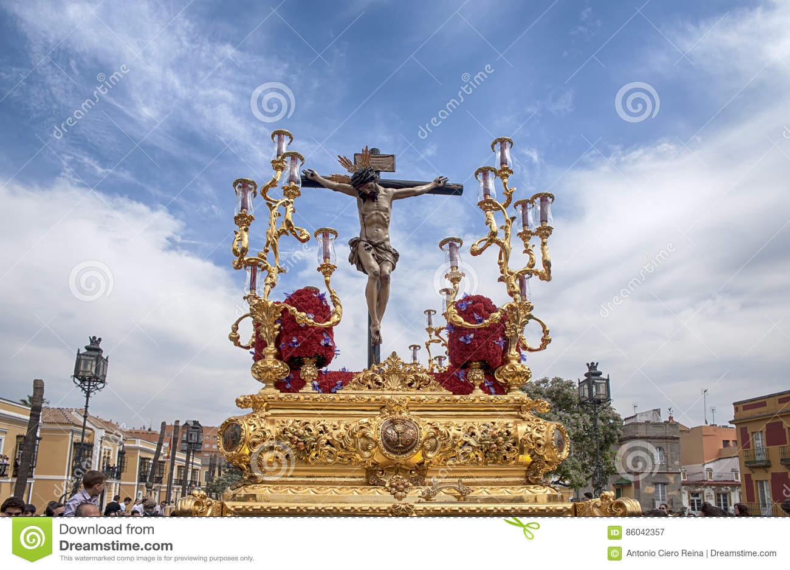 Pase el misterio de la fraternidad de St Bernard en la semana santa en Sevilla