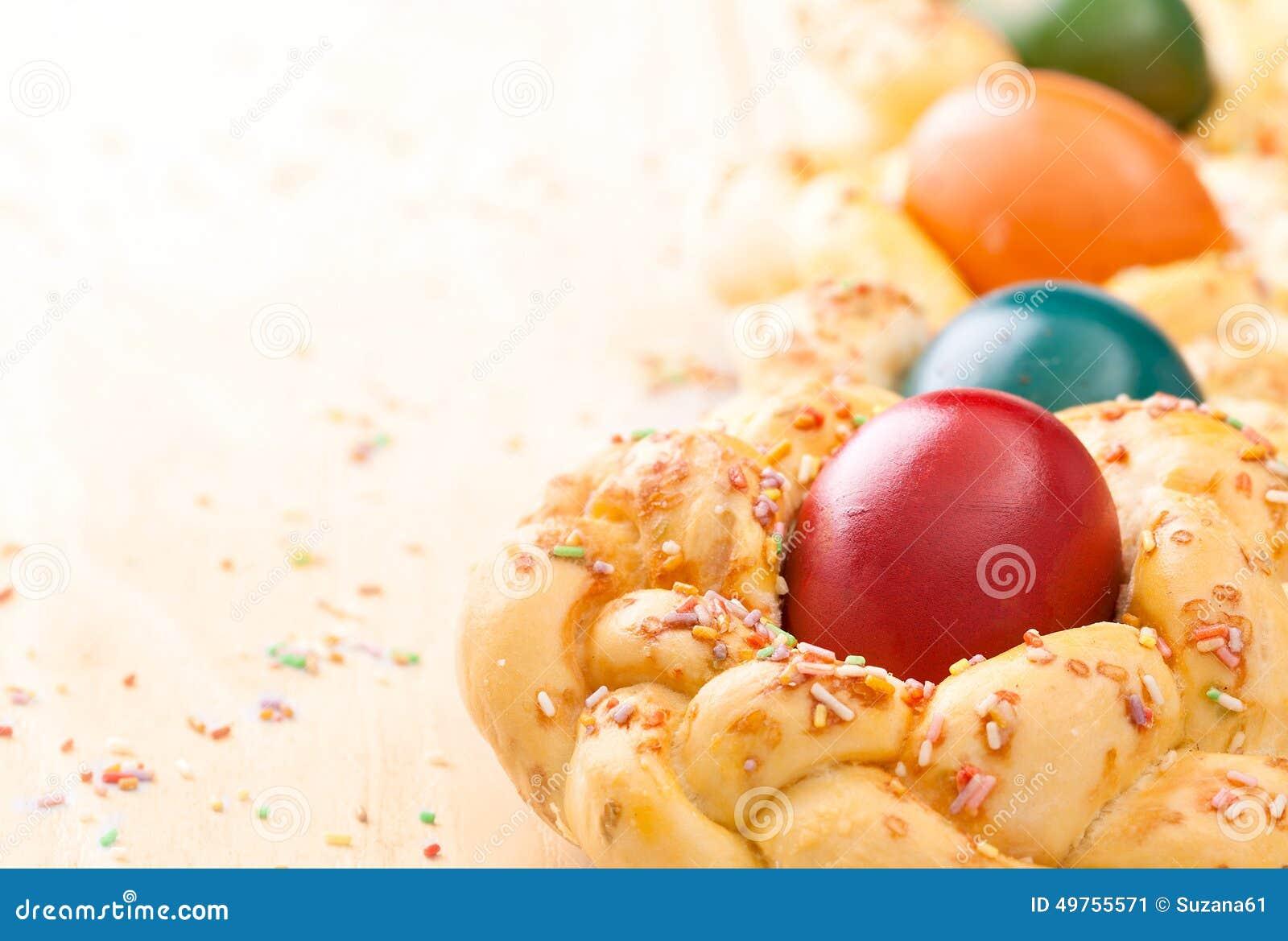 Pasen-brood met eieren