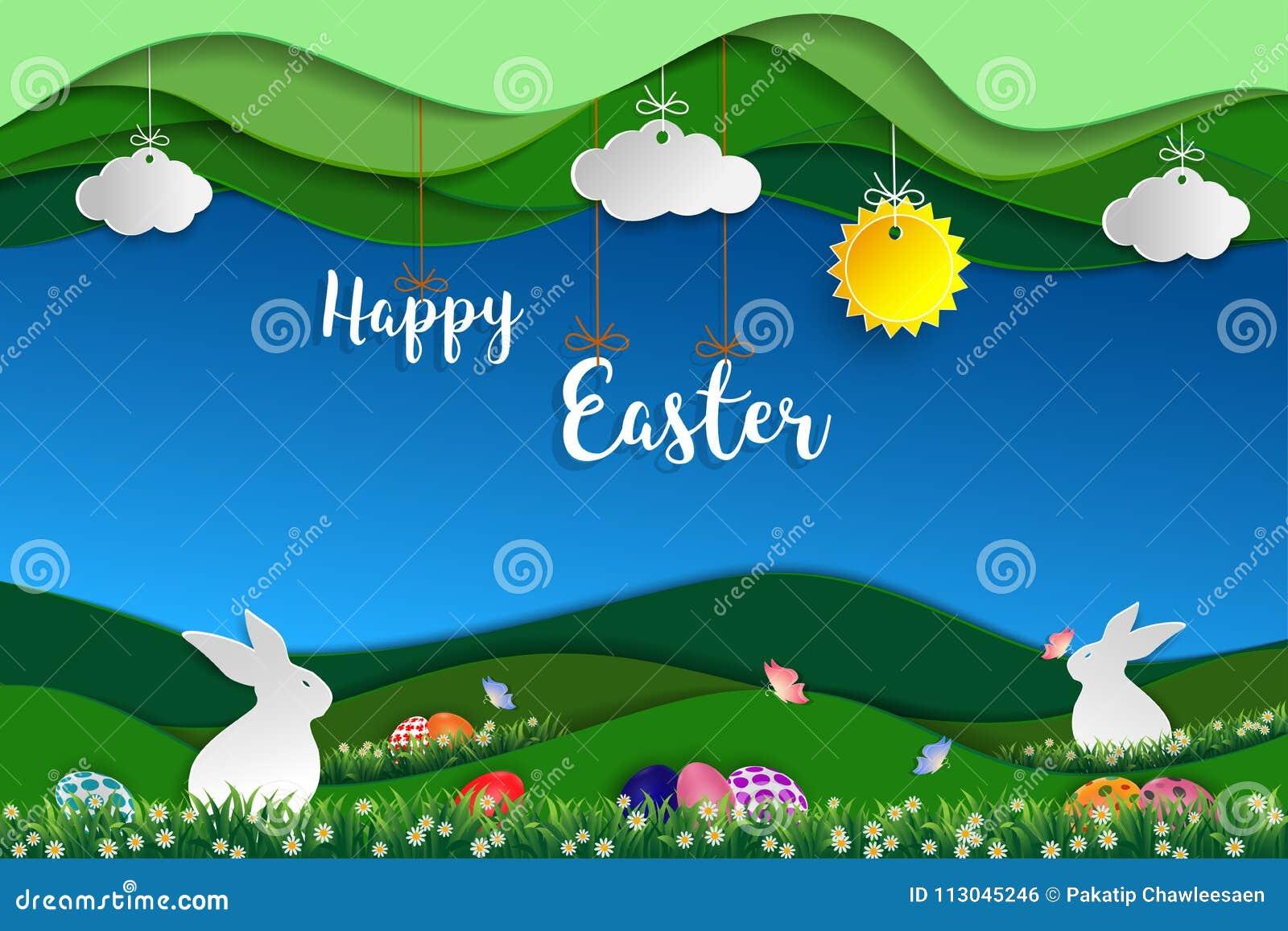 Pasen-dag met witte konijnen, kleurrijke eieren, vlinder en weinig madeliefje op gras
