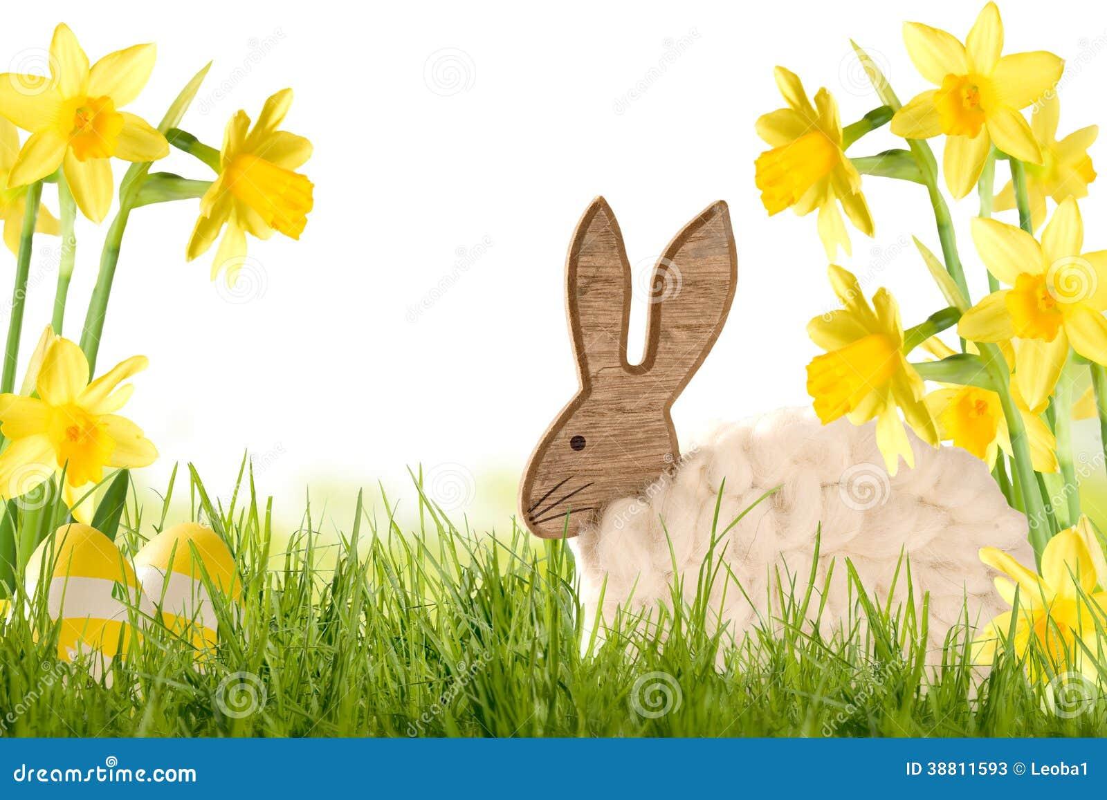 Citaten Met Pasen : Pasen decoratie houten konijn met gele narcissen stock