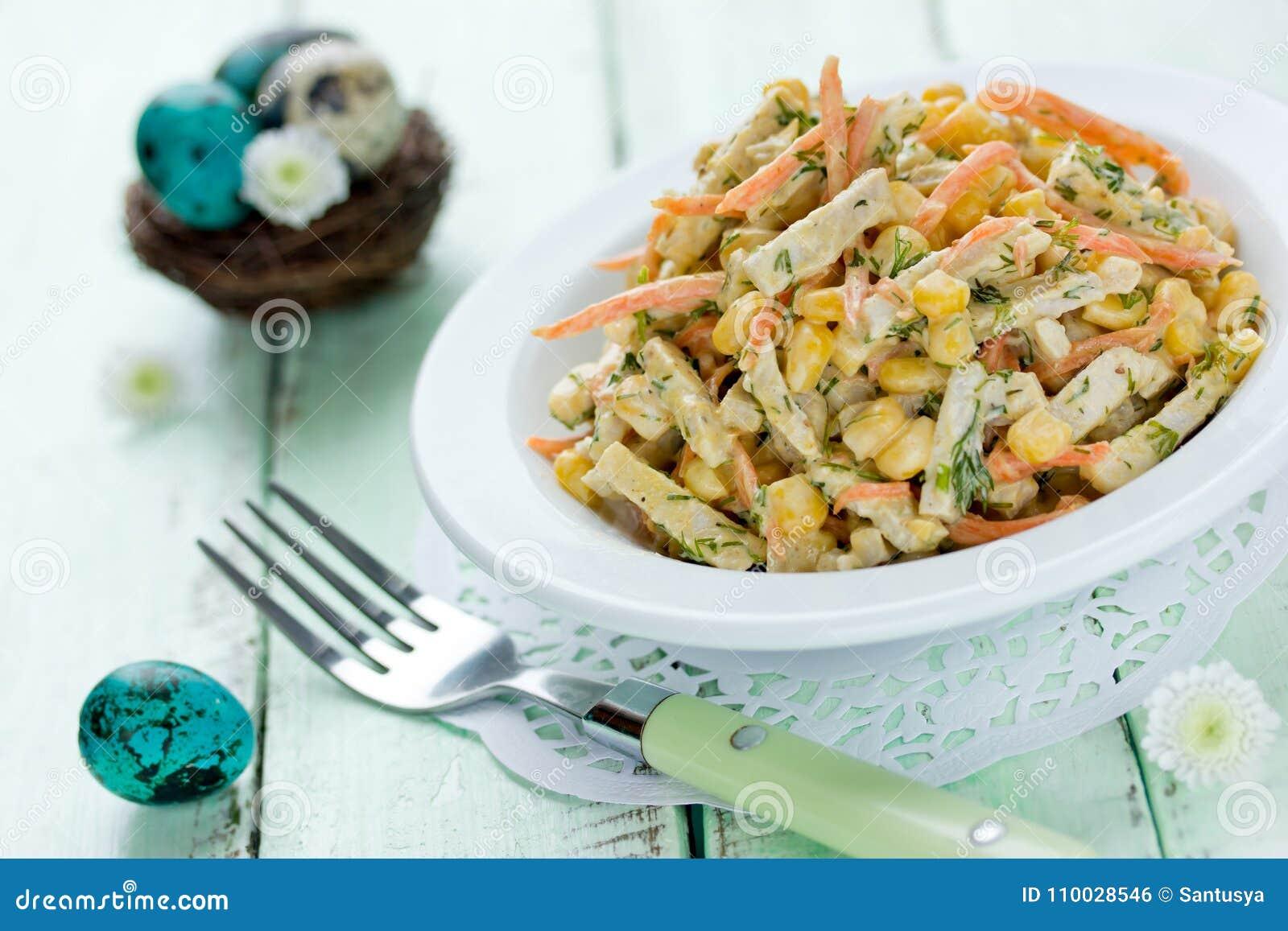 Pasen-voorgerechtrecept - gekookte kippenborst, wortel, graan