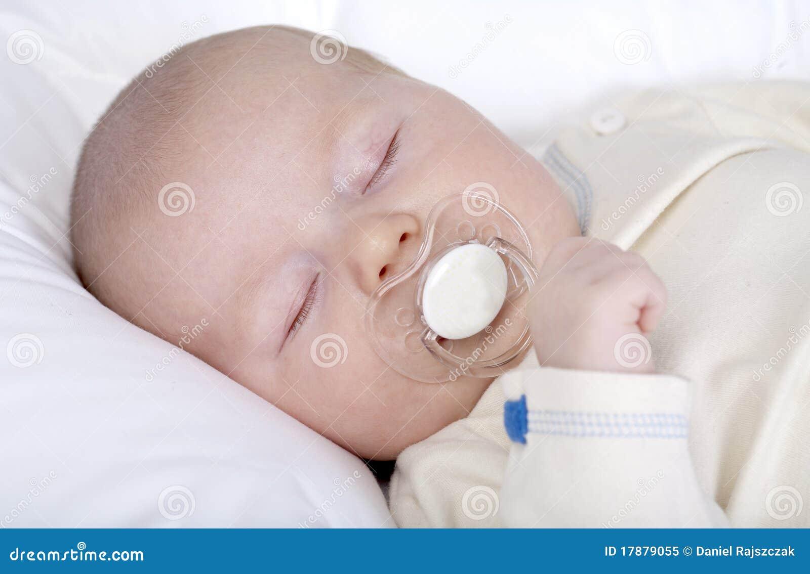Pasgeboren baby jongen royalty vrije stock foto afbeelding 17879055 - Foto baby jongen ...