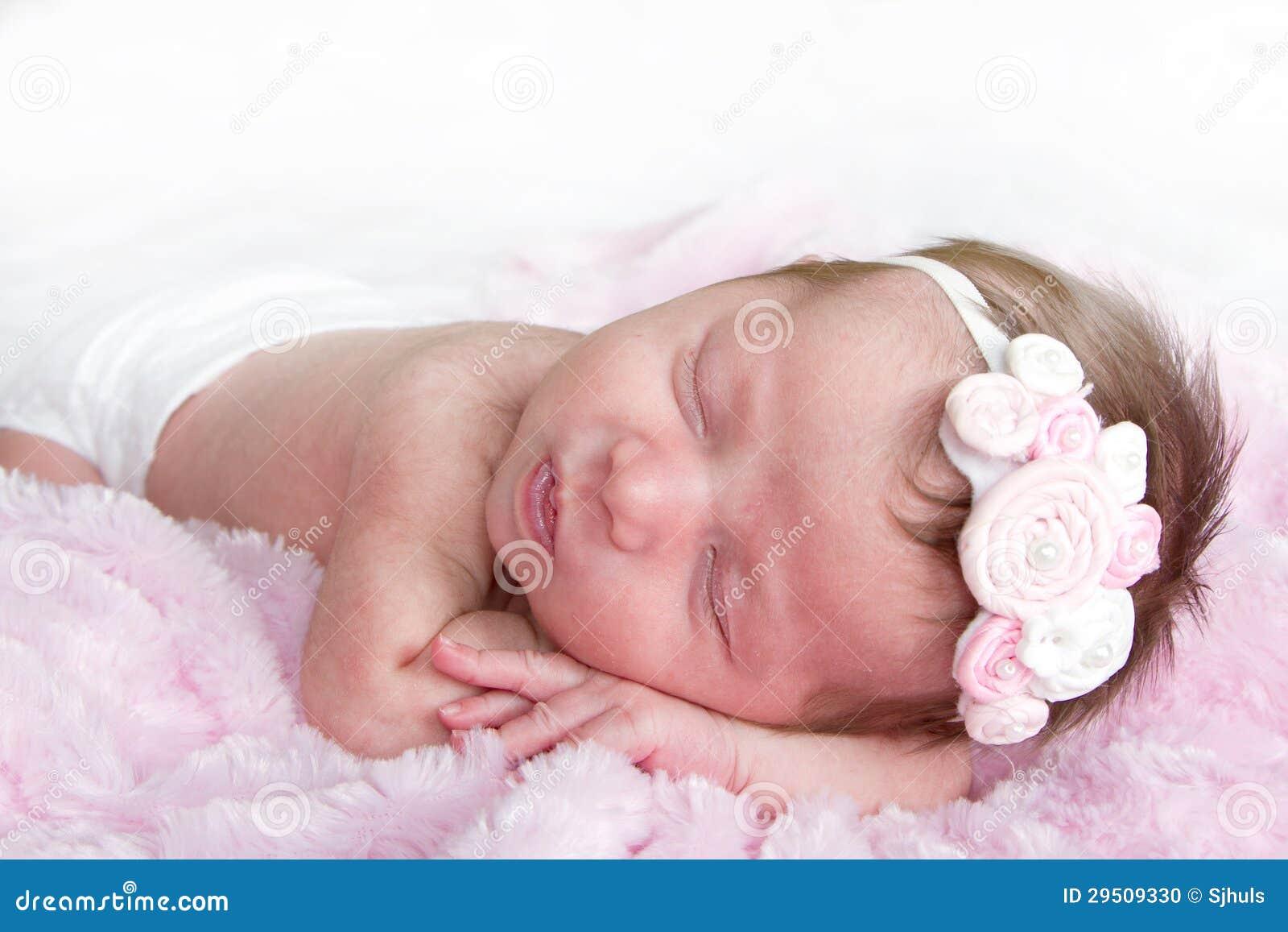 Pasgeboren zuigelingsslaap