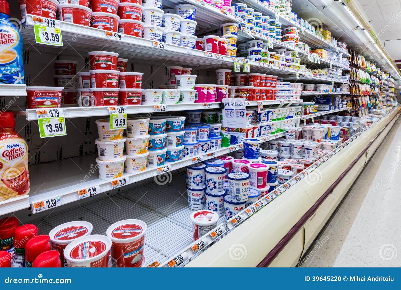 Pasillo cultivado de los productos l cteos en un for Imagenes de productos americanos