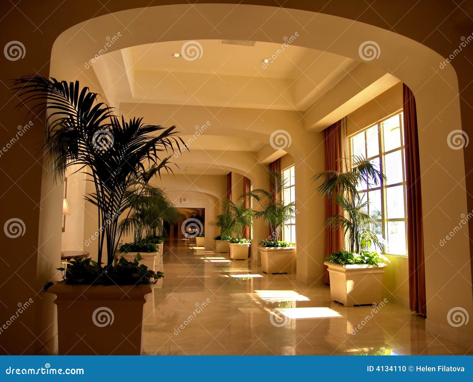 Pasillo de la entrada del hotel de lujo imagen editorial for Diseno de interiores hoteles