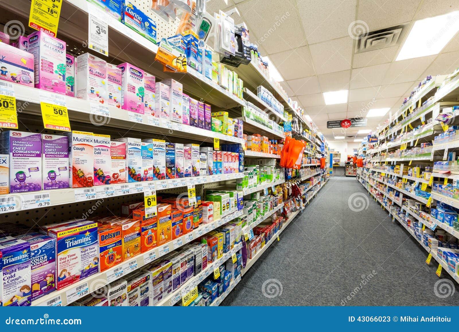 Pasillo En Una Farmacia De Cvs Foto De Archivo Editorial