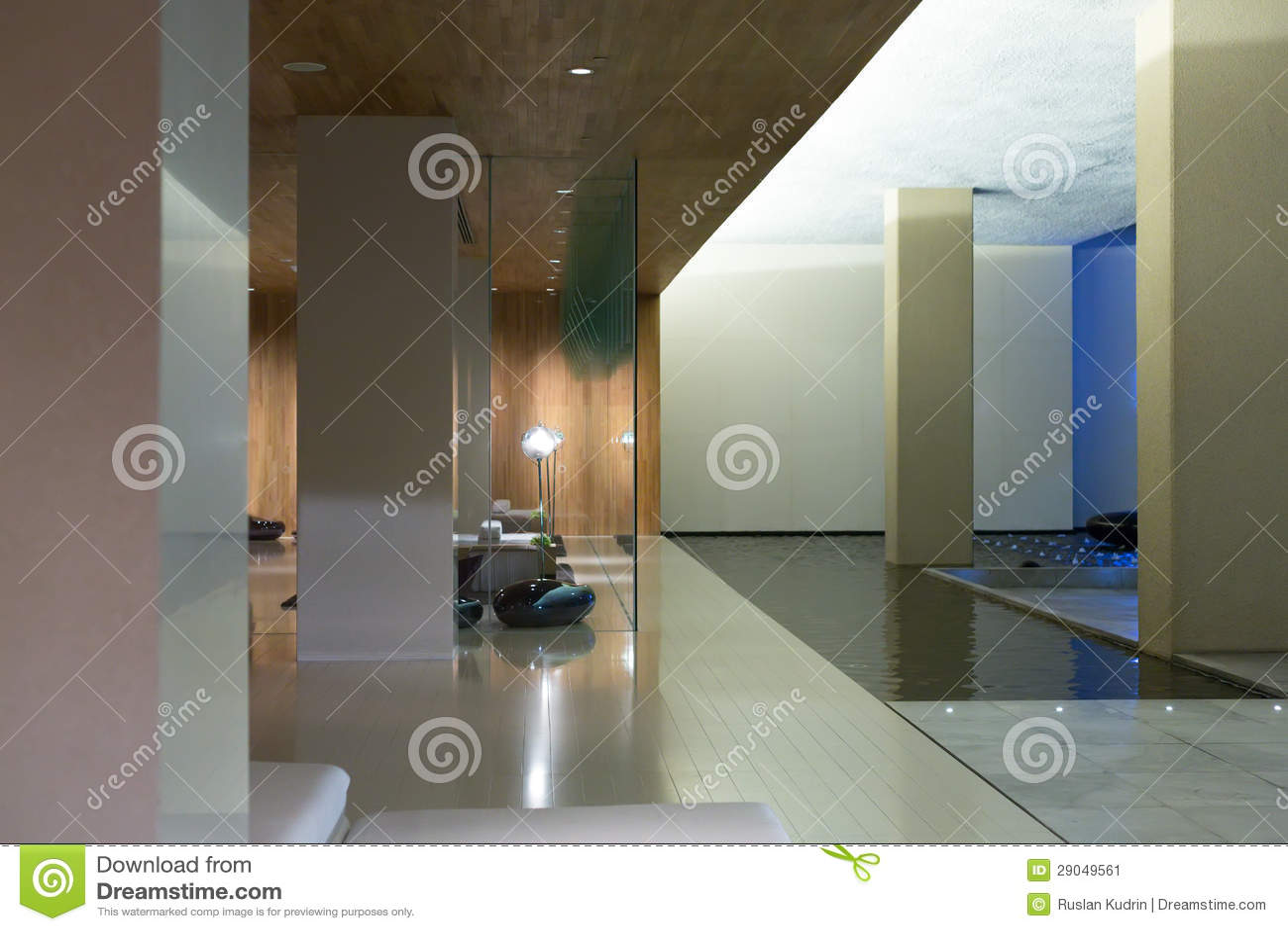 Pasillo moderno para el hotel de cinco estrellas