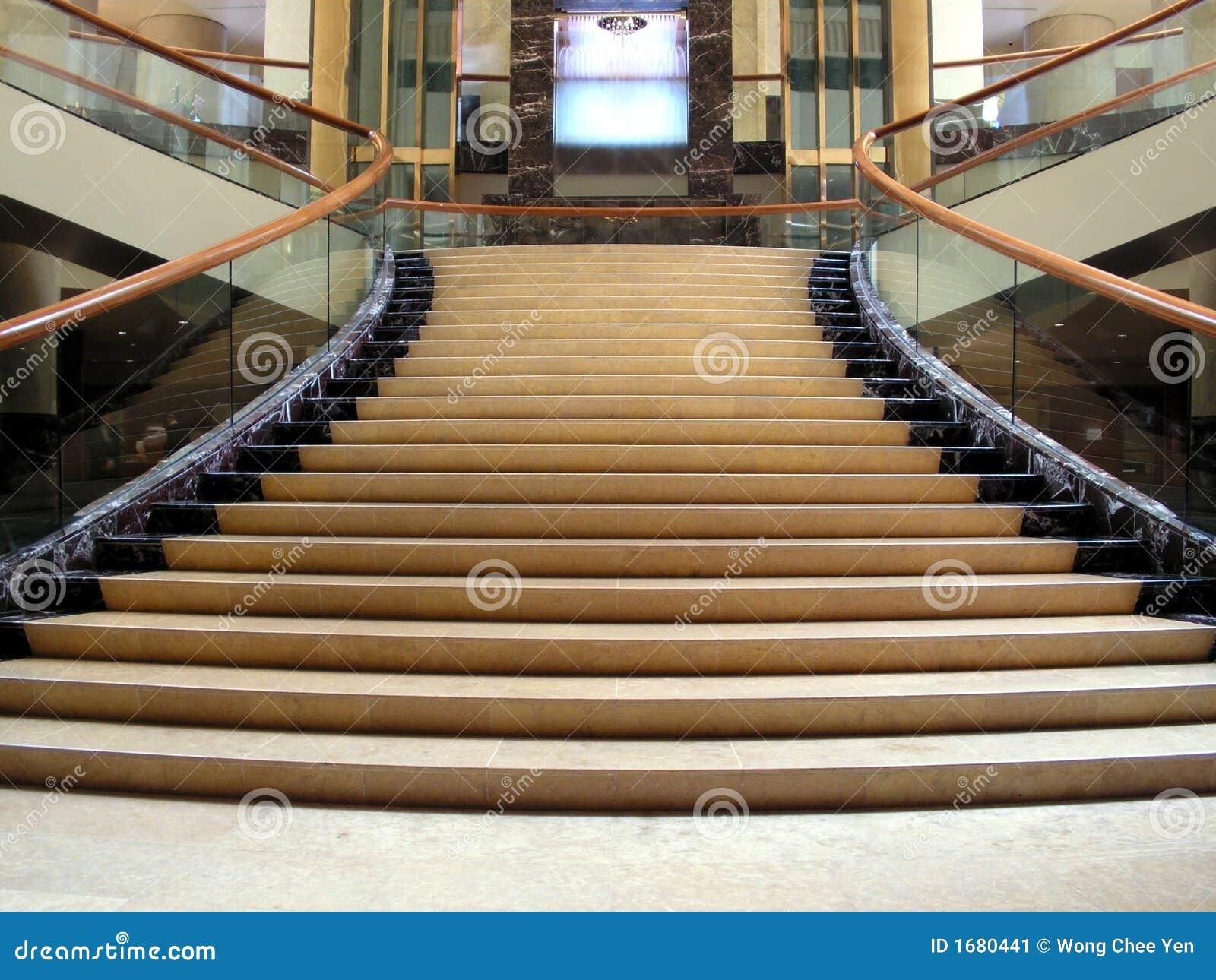 Pasillo Ostentoso Con La Escalera Imagen De Archivo