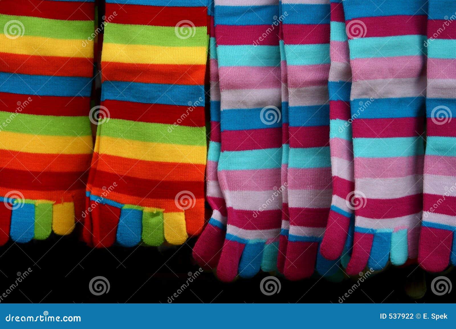 Paskować kolorowe skarpetki