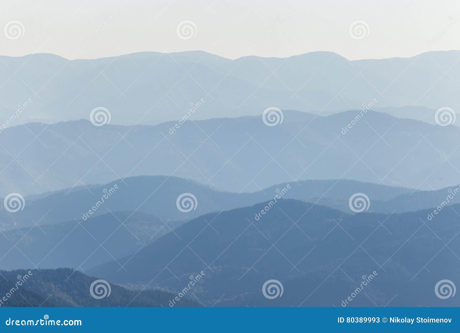 Pasmo górskie warstwy