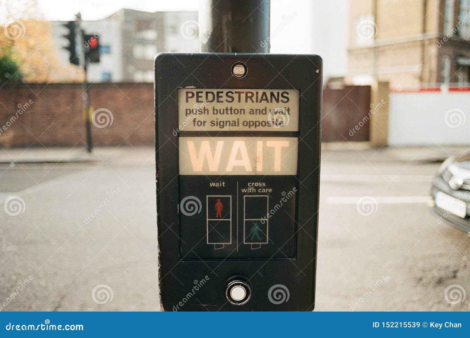 Pasos de peatones BRITÁNICOS tradicionales, semáforo