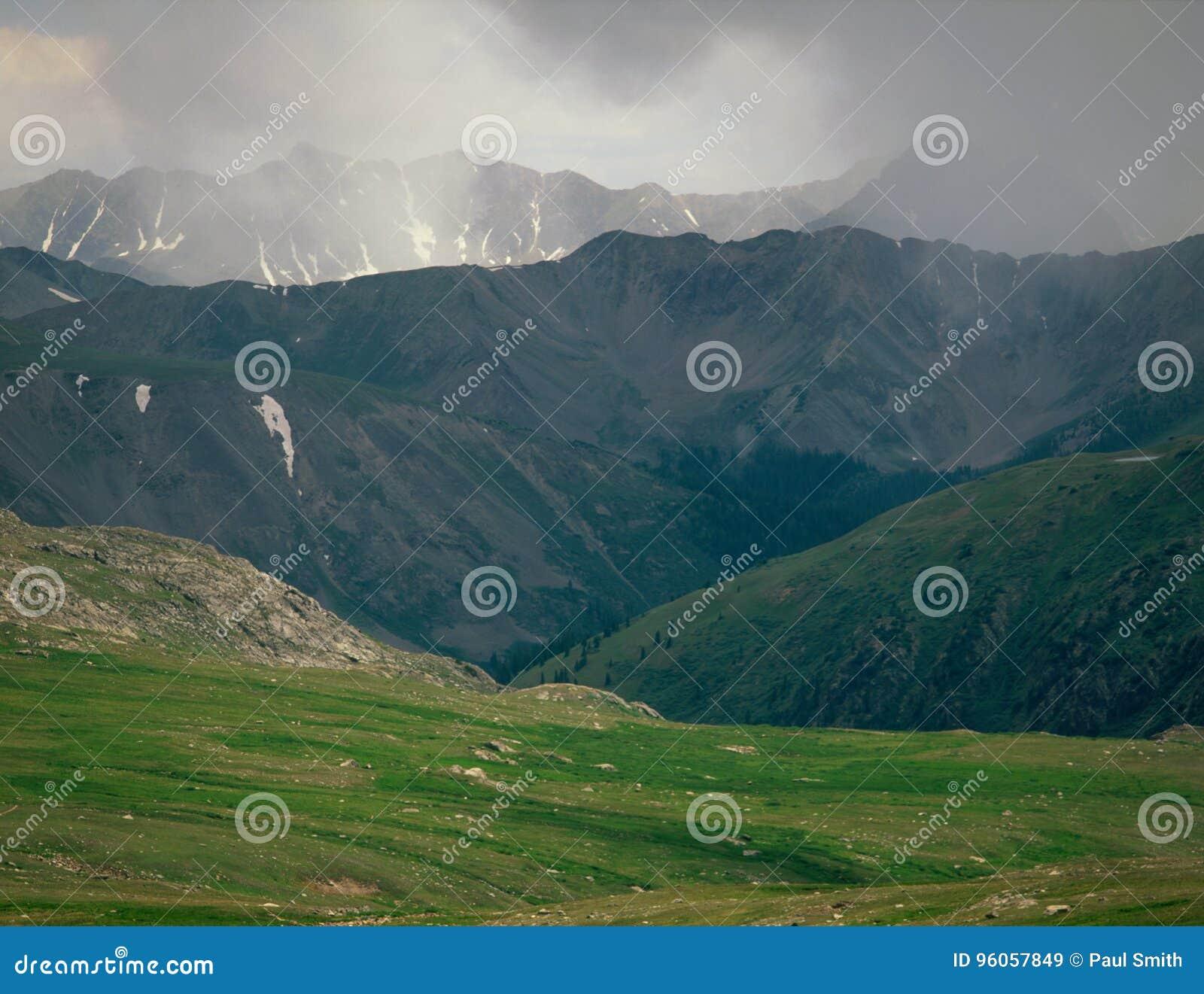 Passage perdu d homme, région sauvage de Chasseur-poêle, réserve forestière de White River, le Colorado
