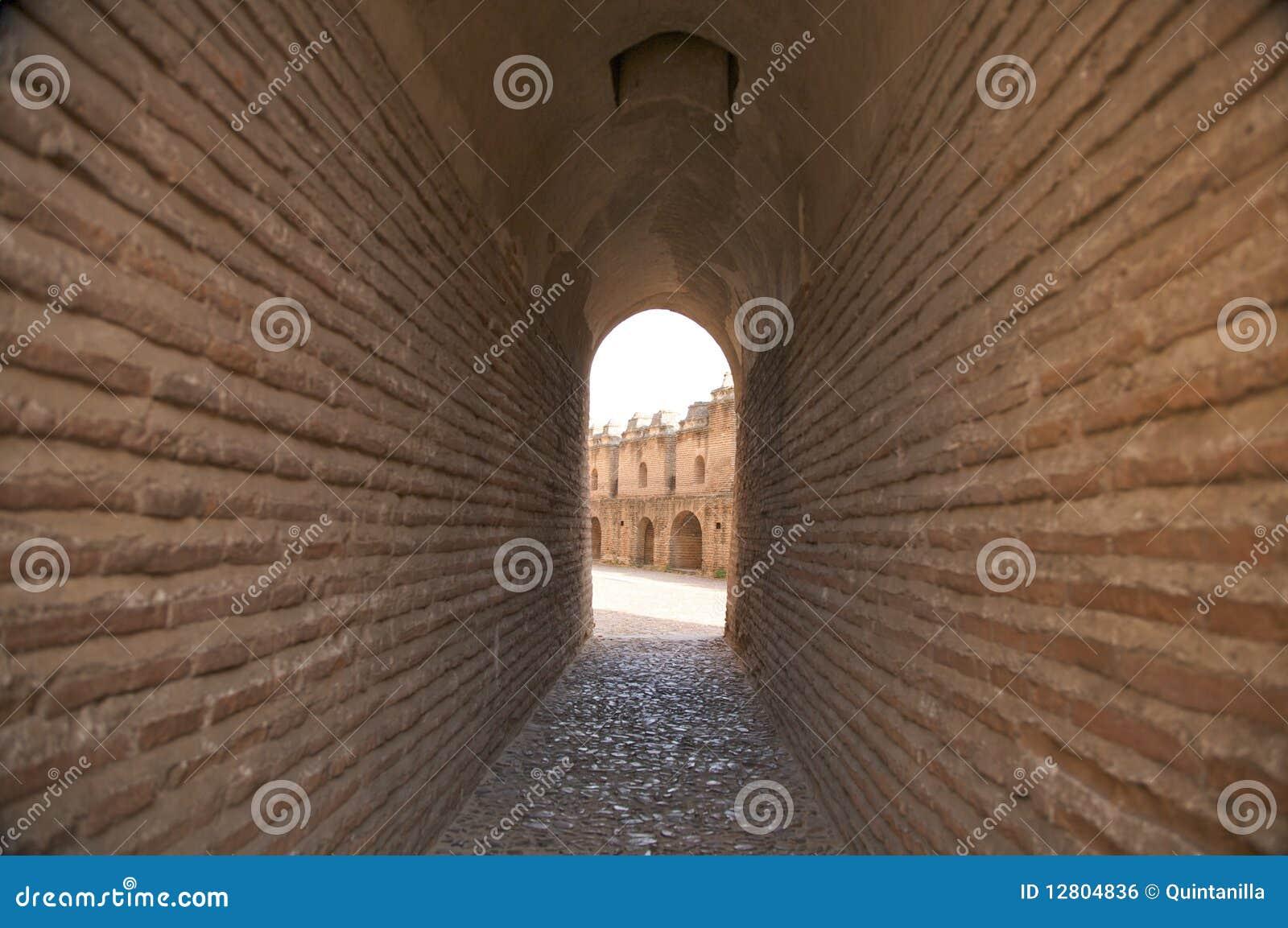 Passagem no castelo da coca