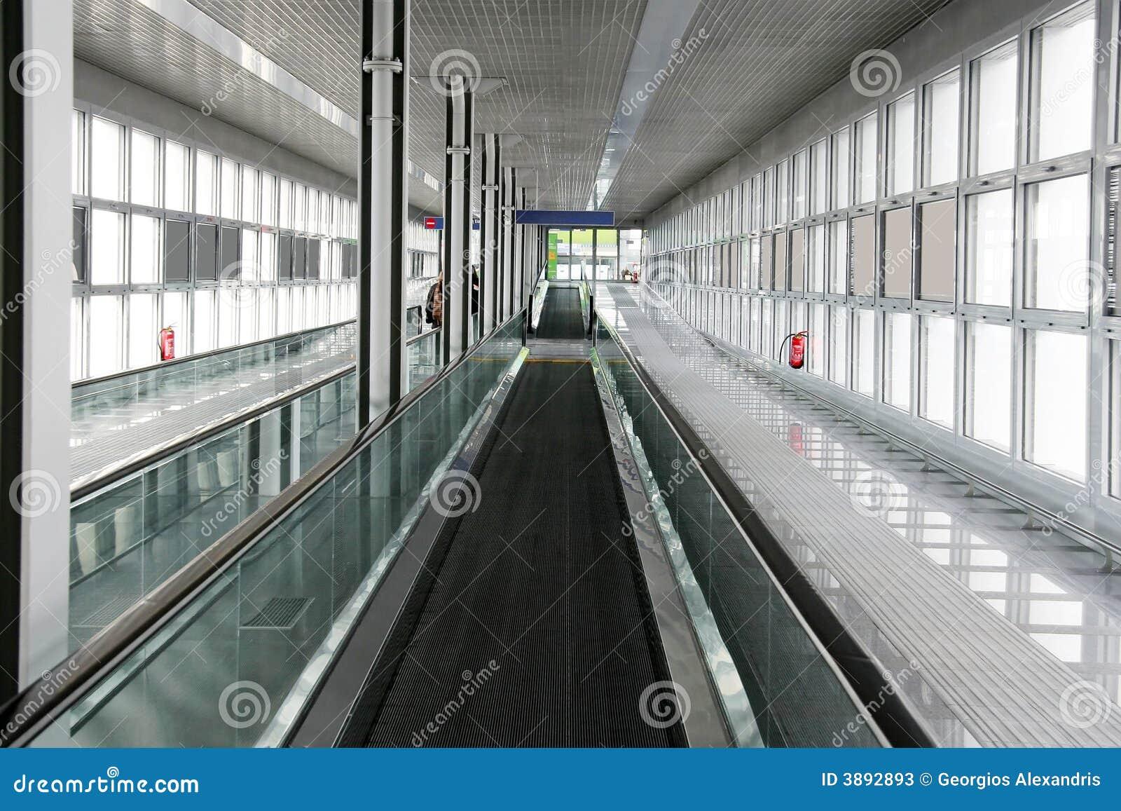 Passaggio pedonale della fascia dell aeroporto