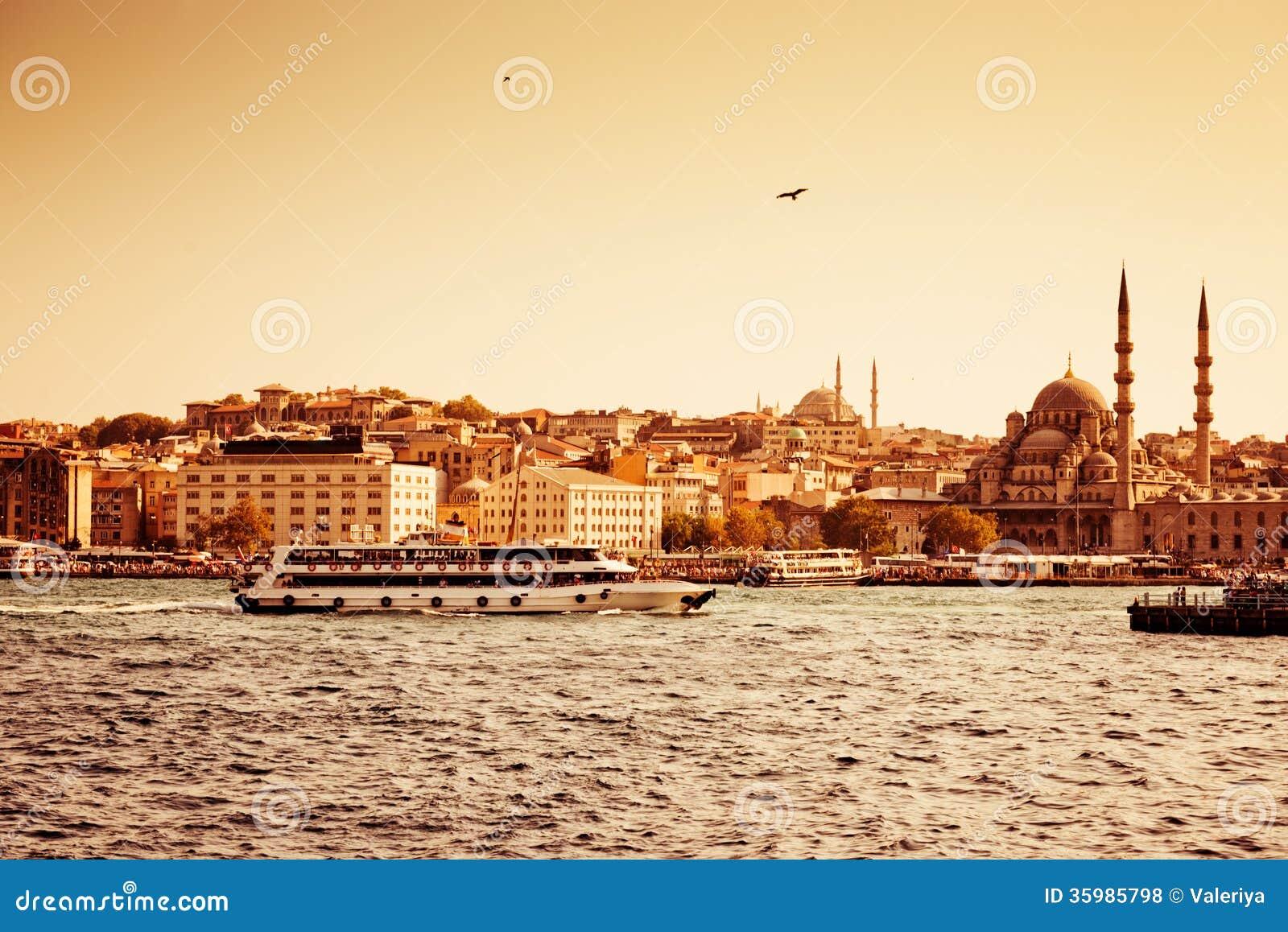 Passagiersschepen in Istanboel