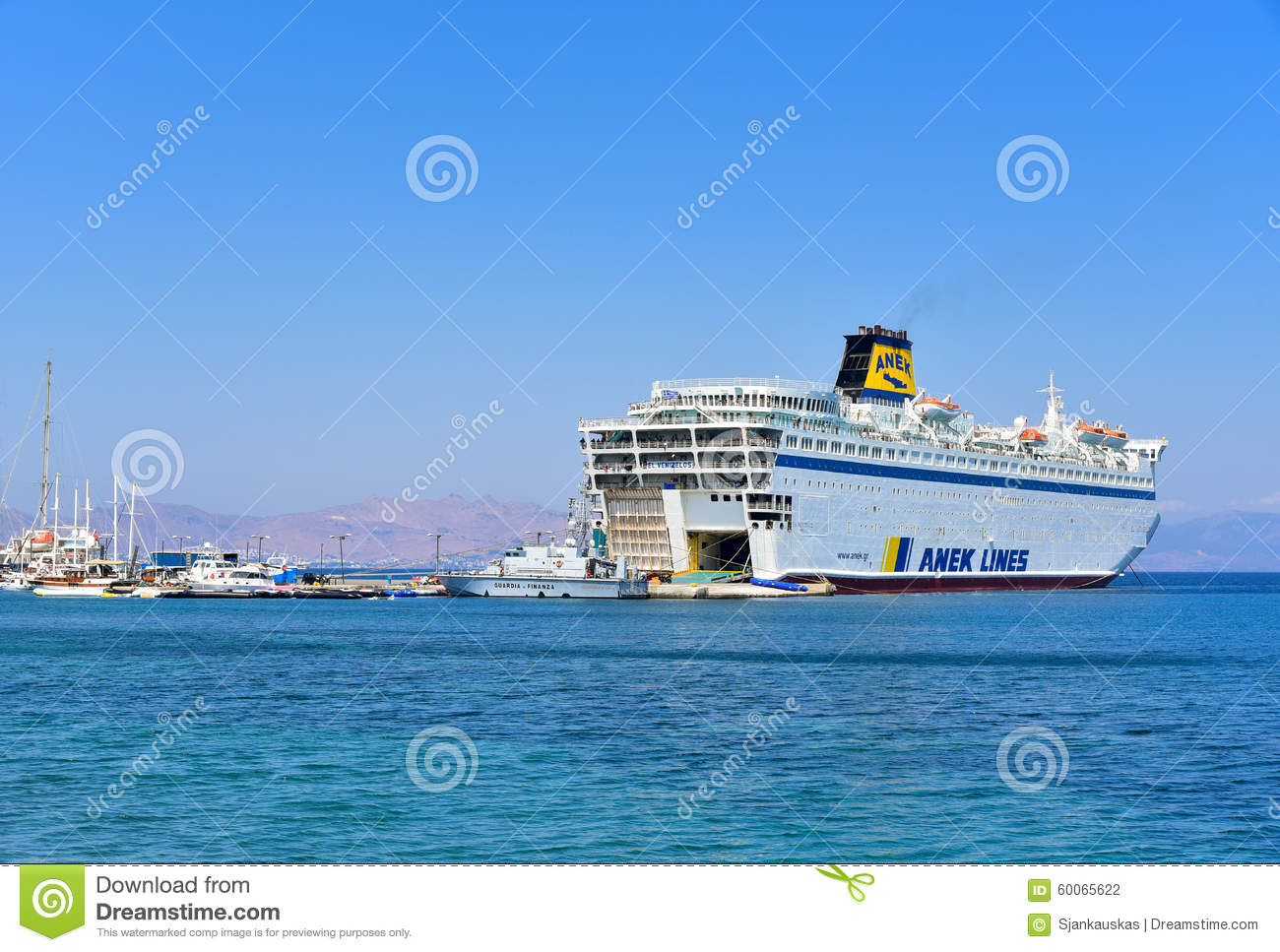Passagiersveerboot in Kos-haven, Griekenland