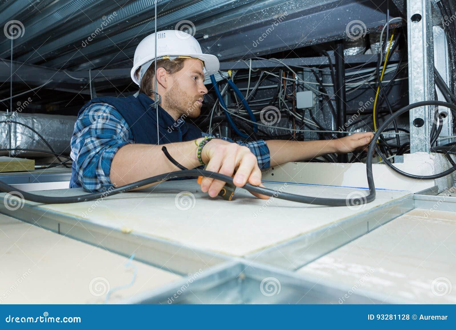 Passande kabel för elektriker för takljus