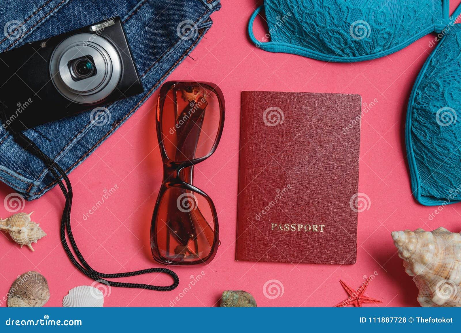 Costume Da Bagno Conchiglia : Passaporto costume da bagno jeans occhiali da sole macchina