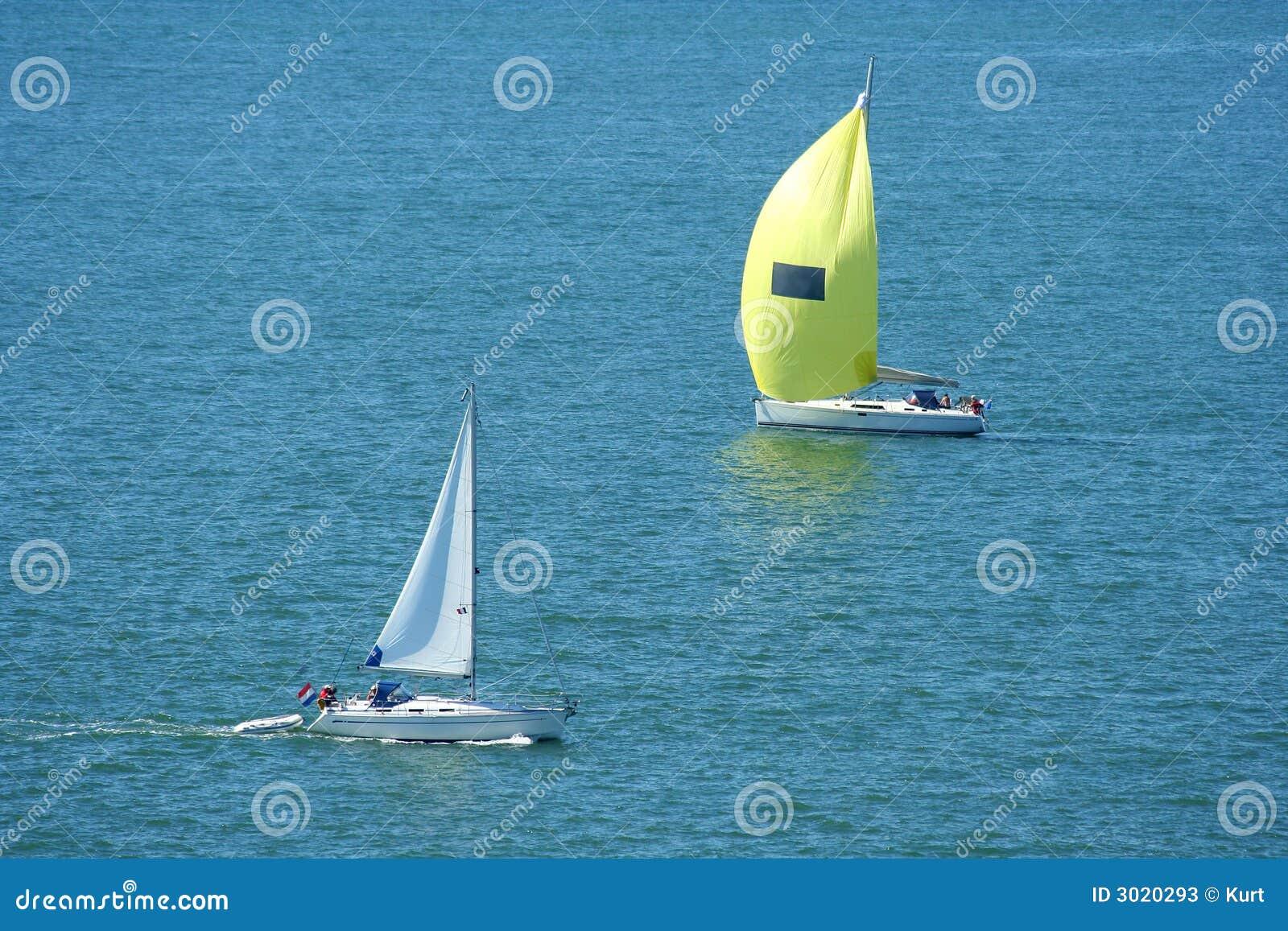 Passare gli yacht