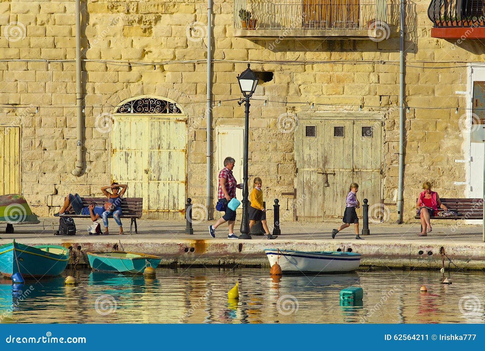 Passeggiata in st Julians, Malta