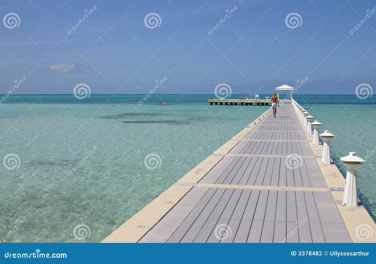 Passeio à beira mar grande do console do caimão