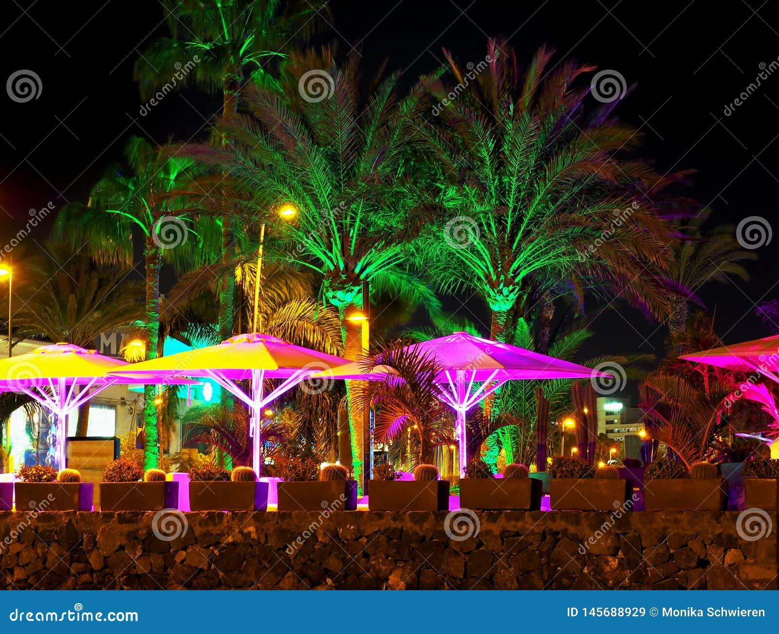 Passeio nos las Americas de Playa de em tenerife na noite