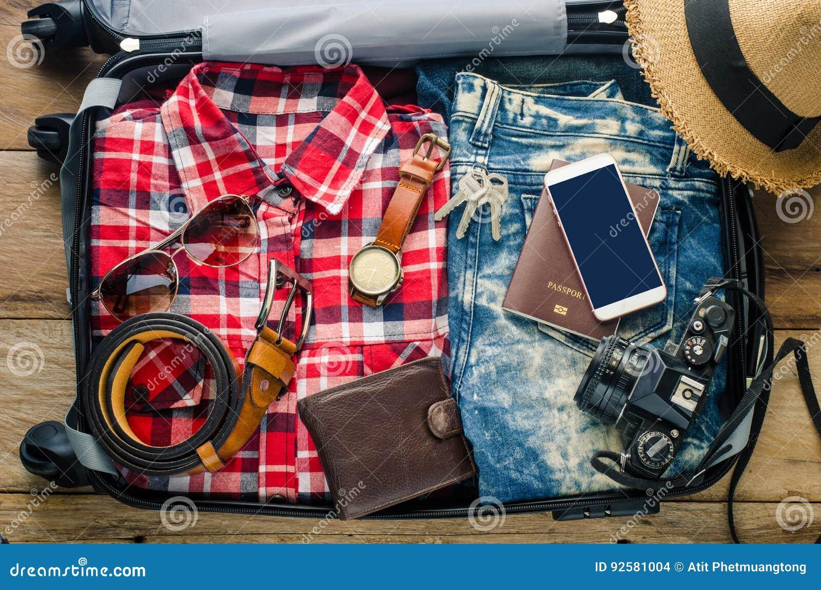 Passeport du ` s de voyageur d habillement, portefeuille, verres