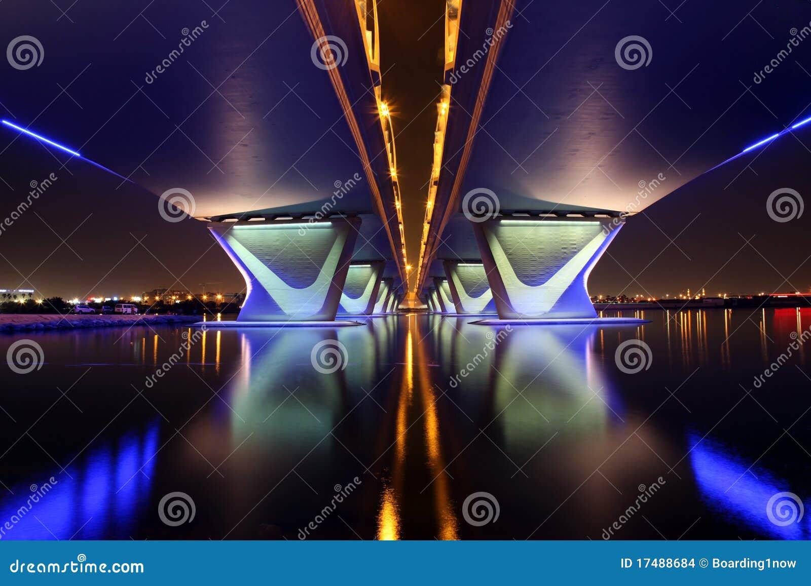 Passerelle de Garhoud d Al à Dubaï