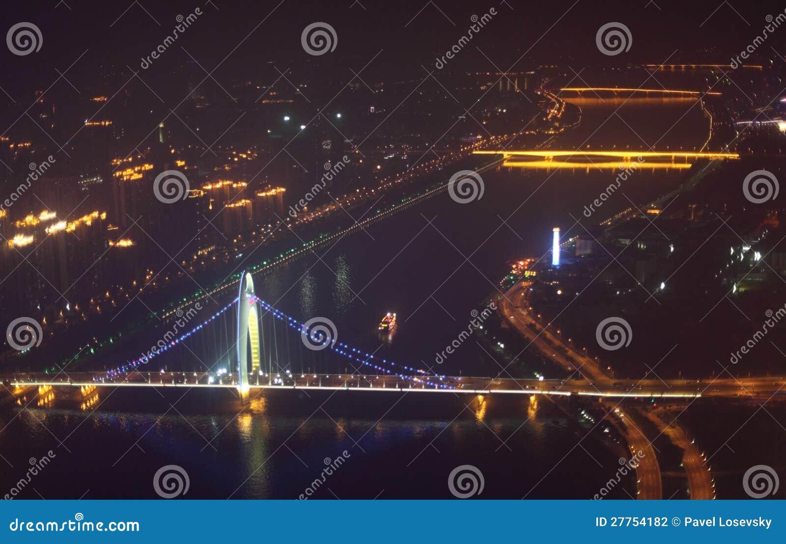 Passerelle de Liede la nuit dans Guangzhou