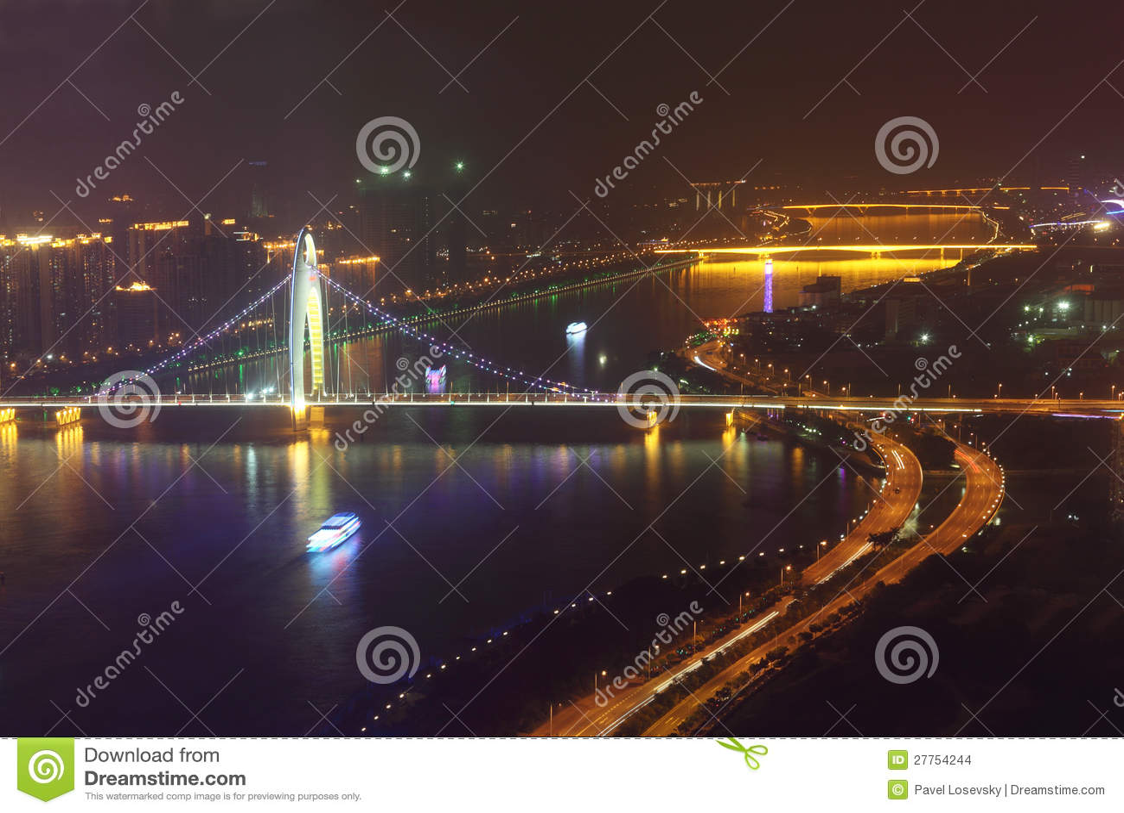 Passerelle de Liede, route, bateau la nuit